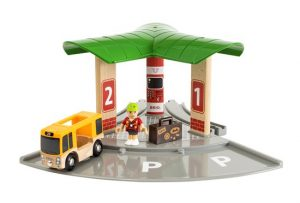 33427 bus and train station