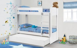 Ellie bunkbed with trundle in white in roomset